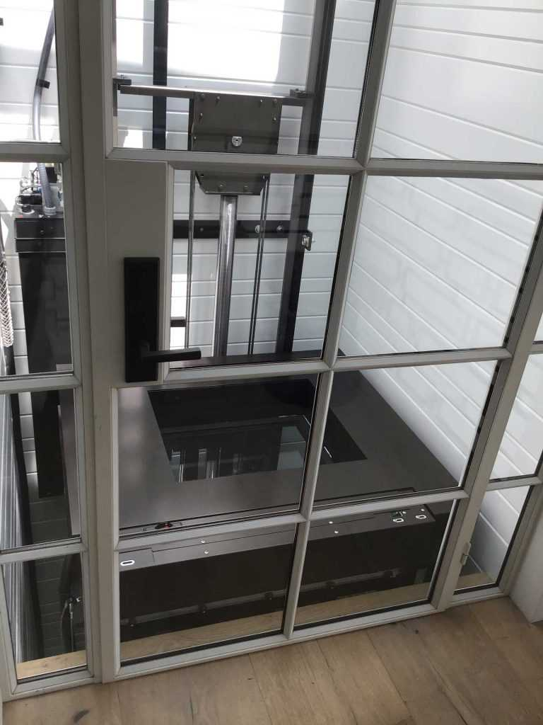 Glass Elevator With Canopy Cover